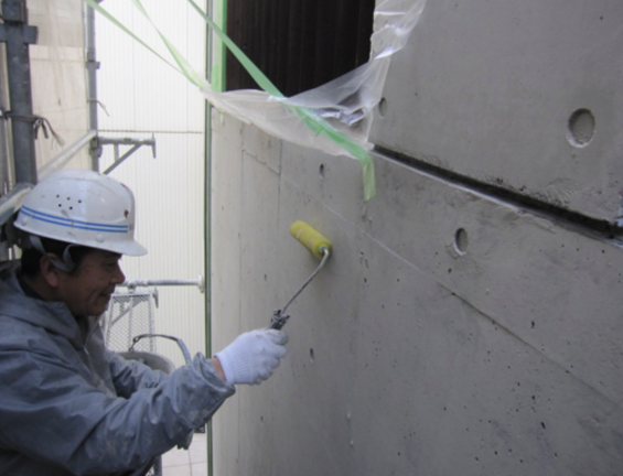 コンクリート打ちっぱなし仕上げの再生・保護工事 Sクリートガード10