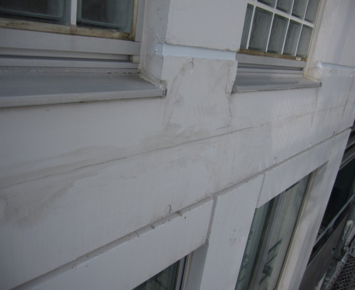 4-1 Sクリートクラック主剤を刷り込んだ状態。