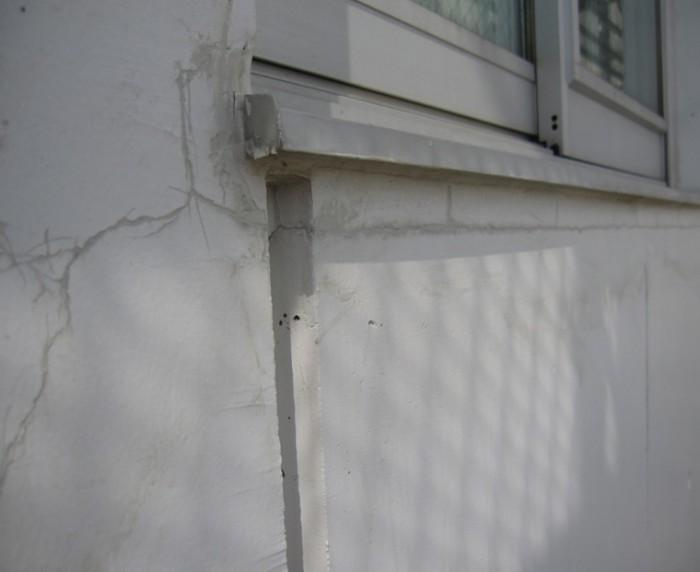 3-3 Sクリートクラック主剤を刷り込んだ状態。