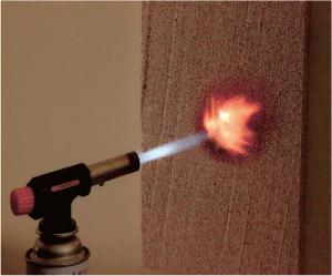 断熱材燃焼試験・BPS断熱材 フネンダン専用断熱材 ガスバーナー着火 3秒間