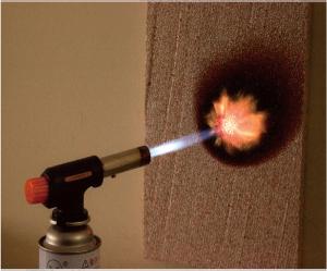 断熱材燃焼試験・ BPS断熱材 フネンダン専用断熱材 ガスバーナー着火 15秒間