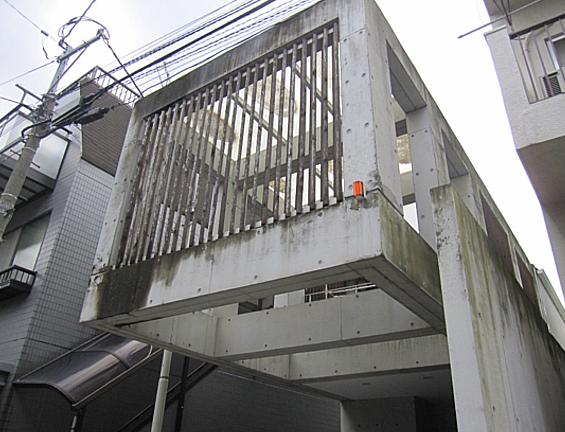 コンクリート打ちっぱなし仕上げの再生・保護工事 Sクリートガード1