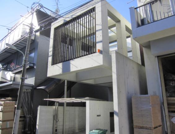 コンクリート打ちっぱなし仕上げの再生・保護工事 Sクリートガード12
