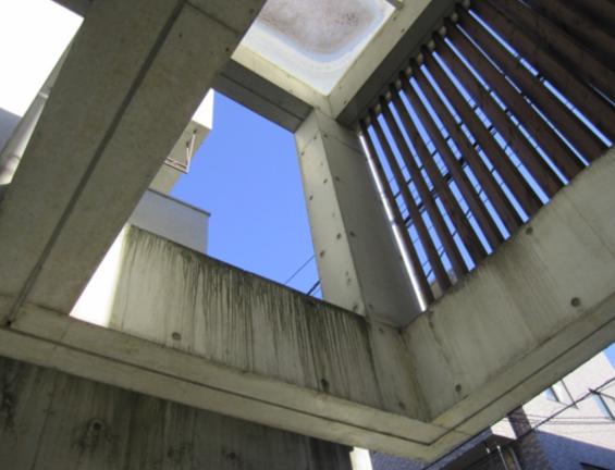 コンクリート打ちっぱなし仕上げの再生・保護工事 Sクリートガード3