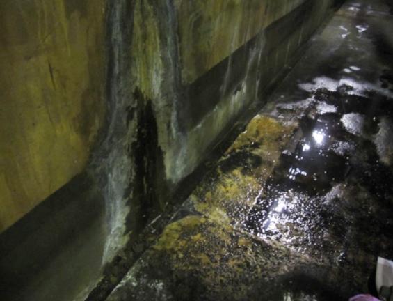 Sクリートアップのみで某工場地下ピットの漏水を止める2