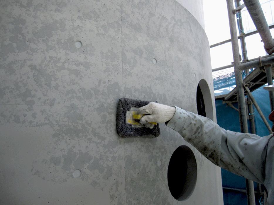 Sクリートカラーの施工時にスポンジを用いることでぼかし塗りも可能