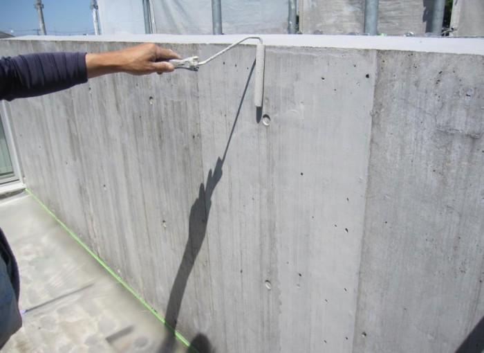 ベランダ内壁 Sクリートカラー1回目塗布