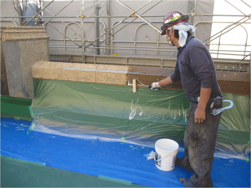 屋上笠木は、セメント洗い出し仕上。