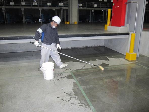 スラブ床の漏水止水工事04